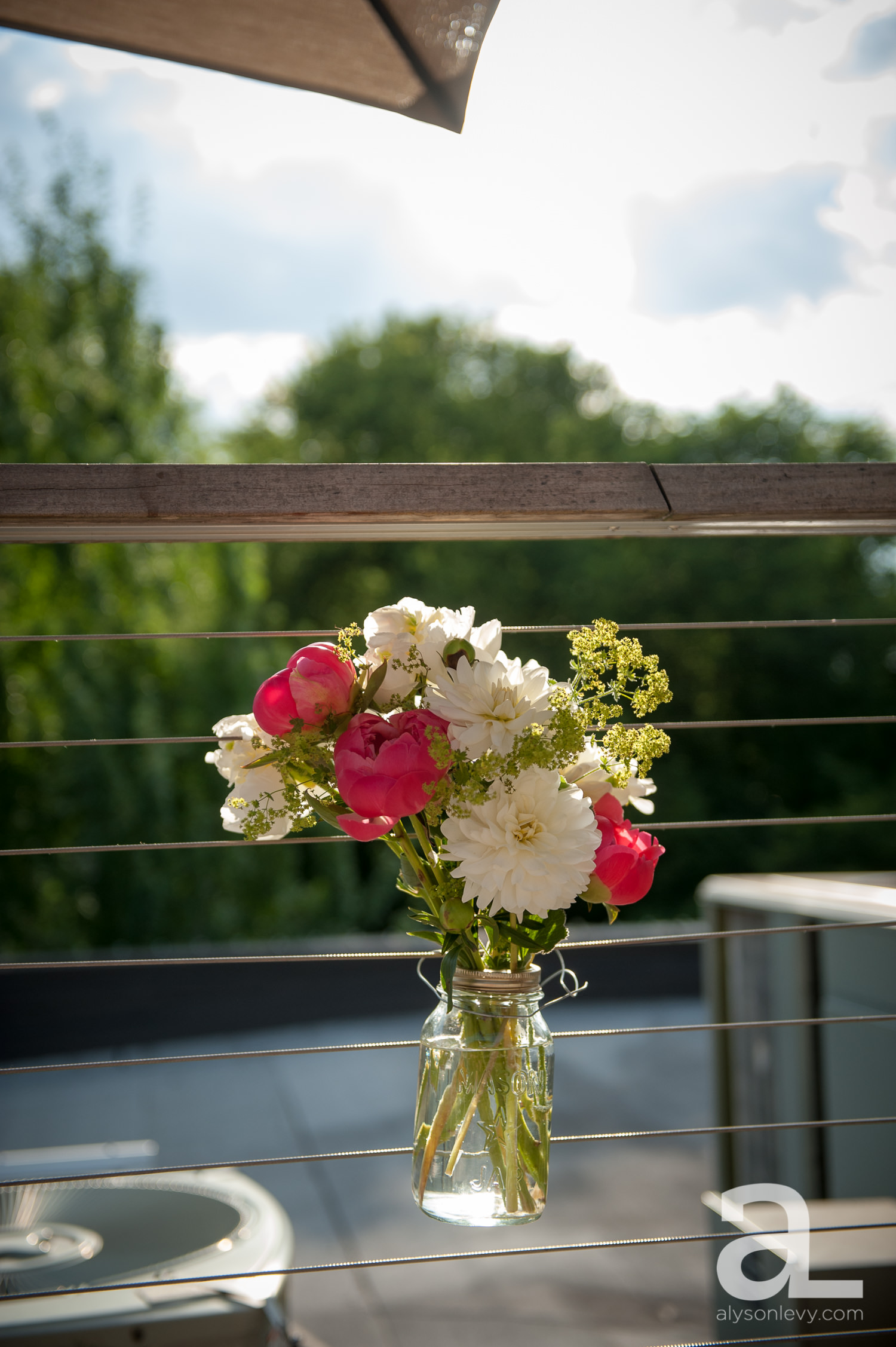 DeSoto-Rooftop-Portland-Wedding-Photography-036.jpg