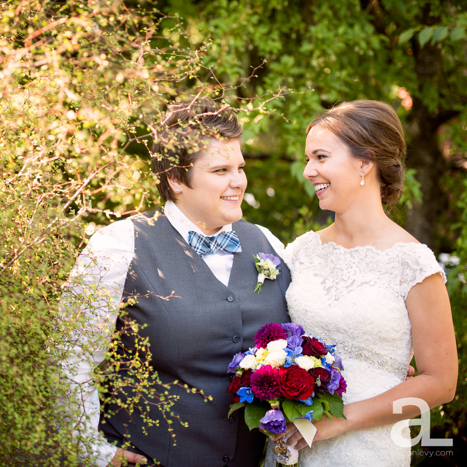 Kennedy-School-Portland-Wedding-Photography-009.jpg