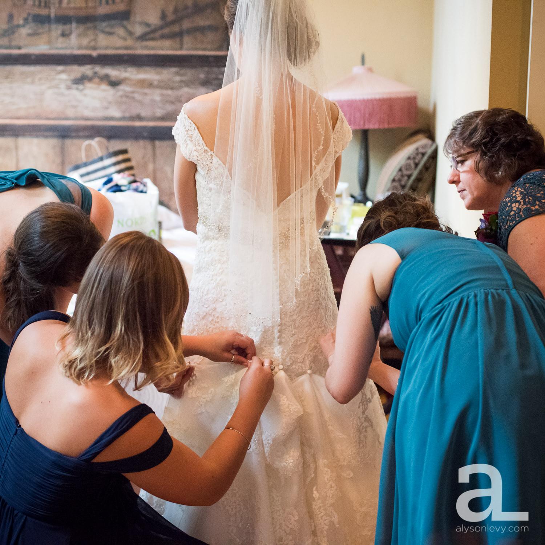 Kennedy-School-Portland-Wedding-Photography-016.jpg