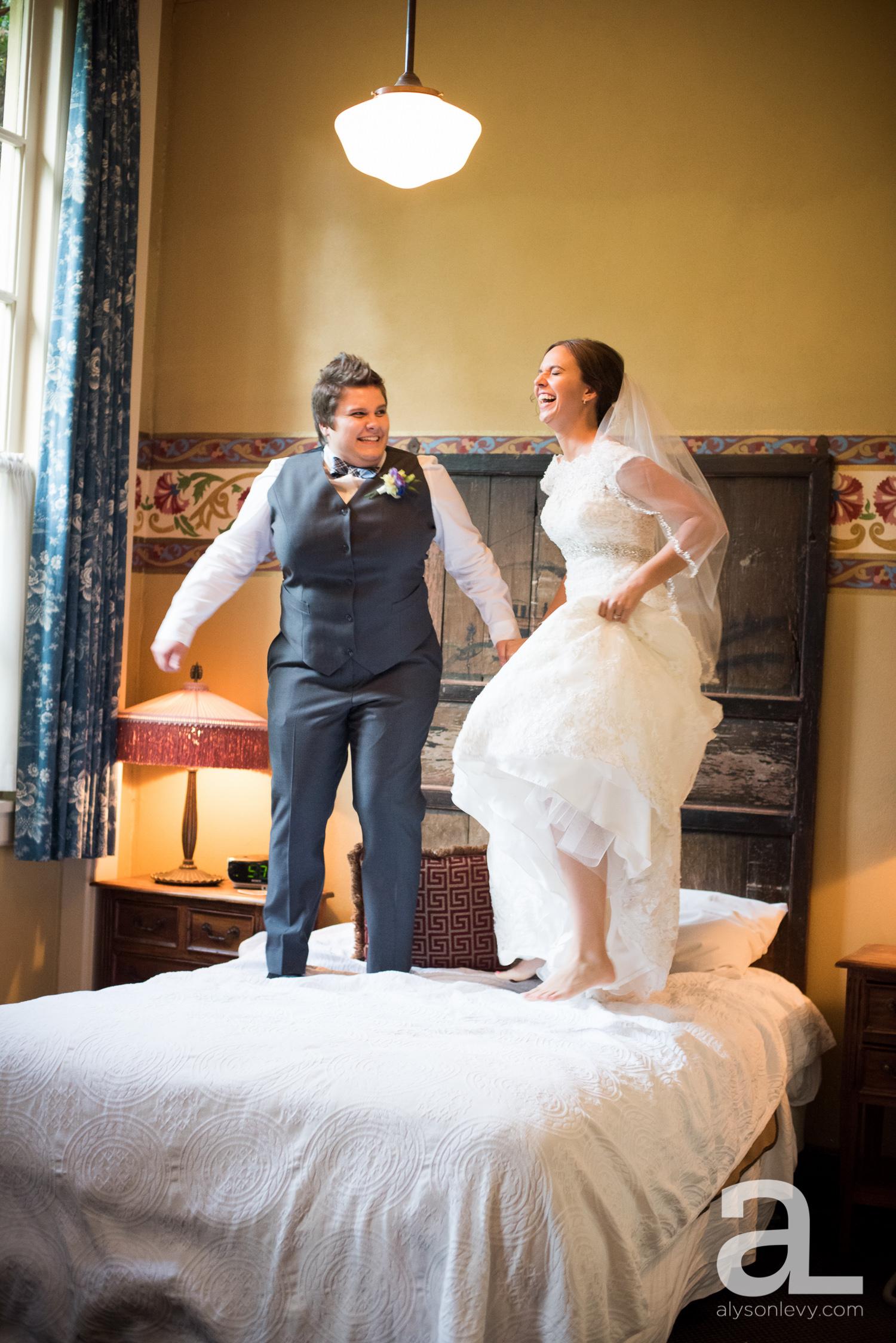 Kennedy-School-Portland-Wedding-Photography-018.jpg