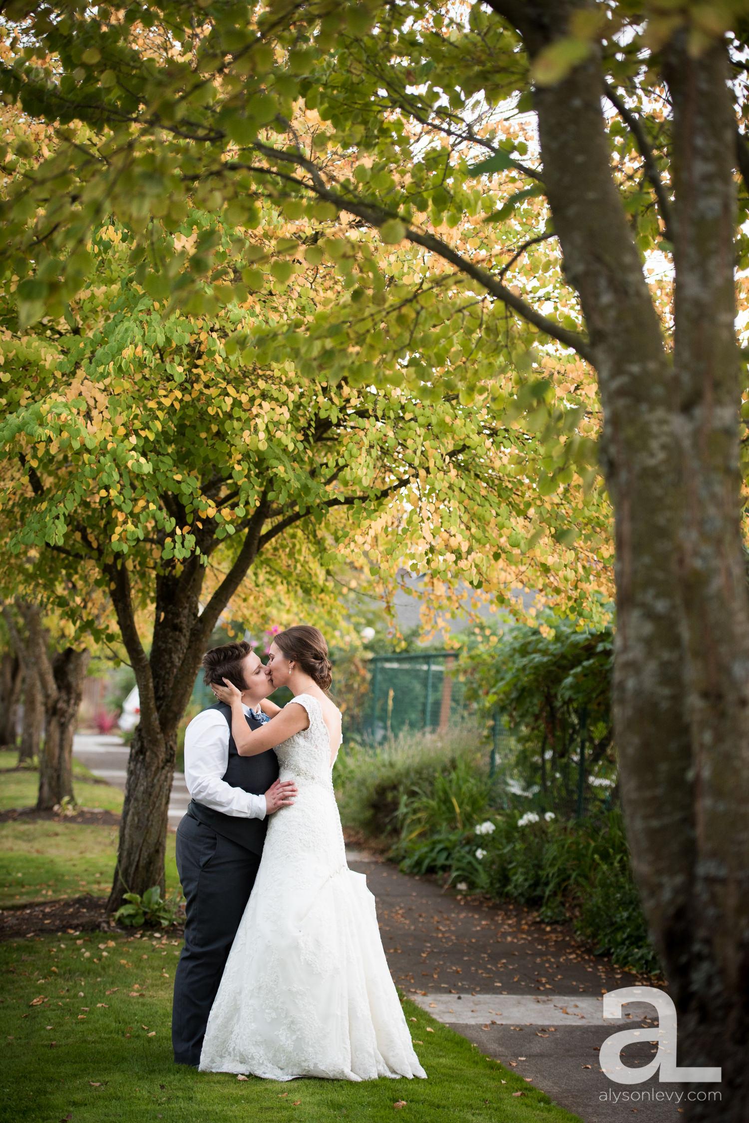 Kennedy-School-Portland-Wedding-Photography-021.jpg