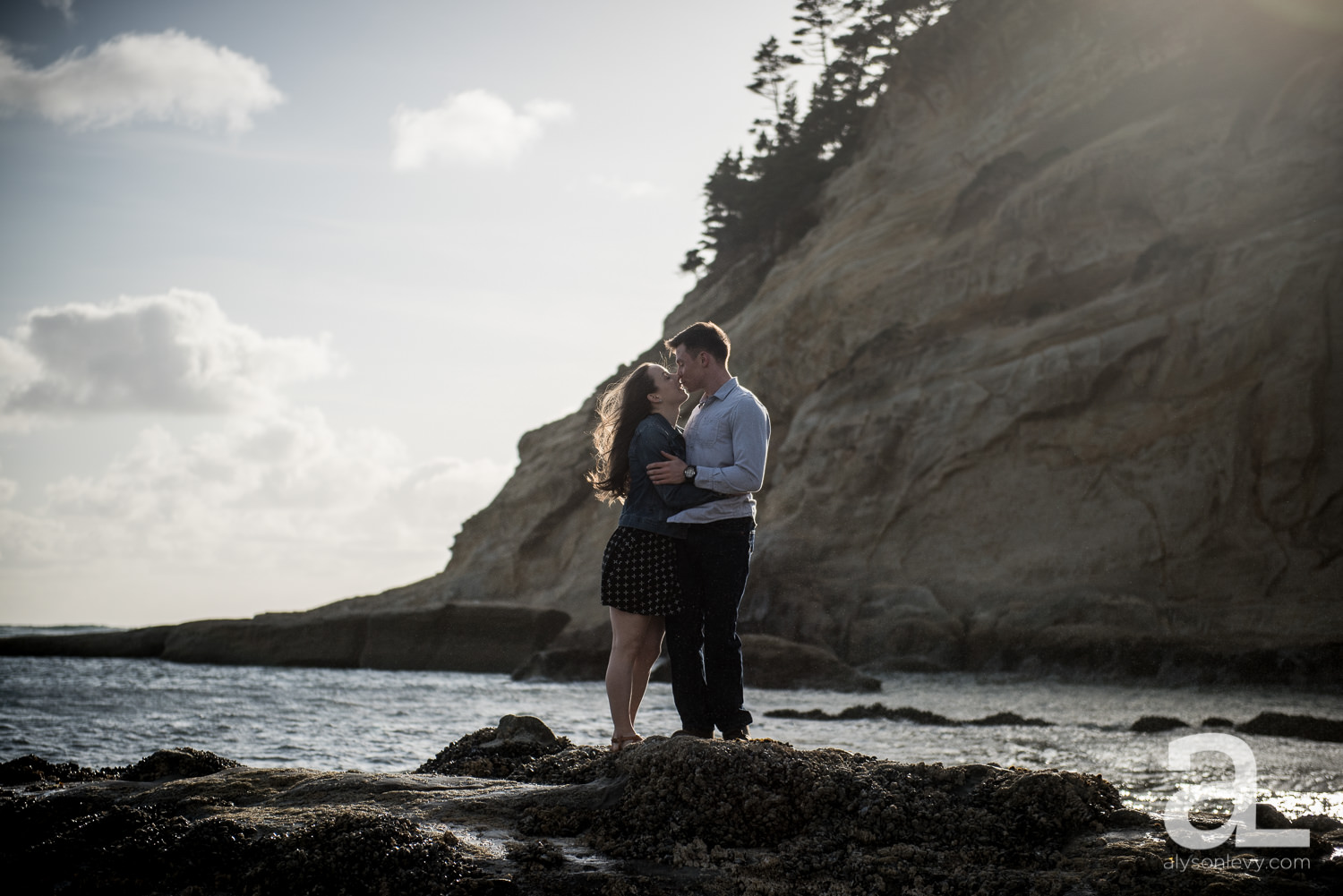 Cape-Kiwanda-Engagement-Photography-001.jpg