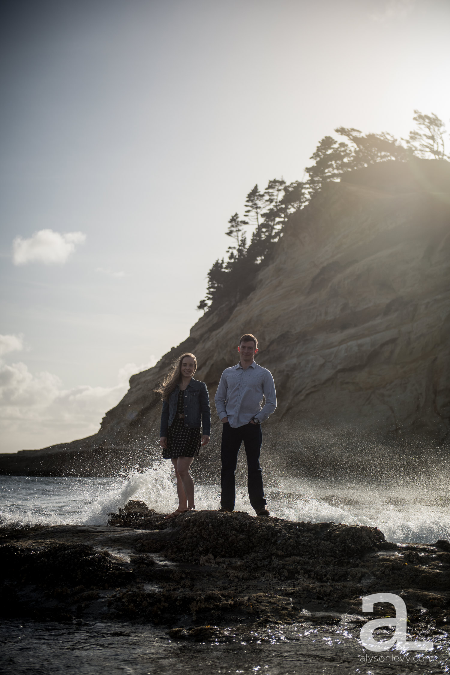 Cape-Kiwanda-Engagement-Photography-002.jpg