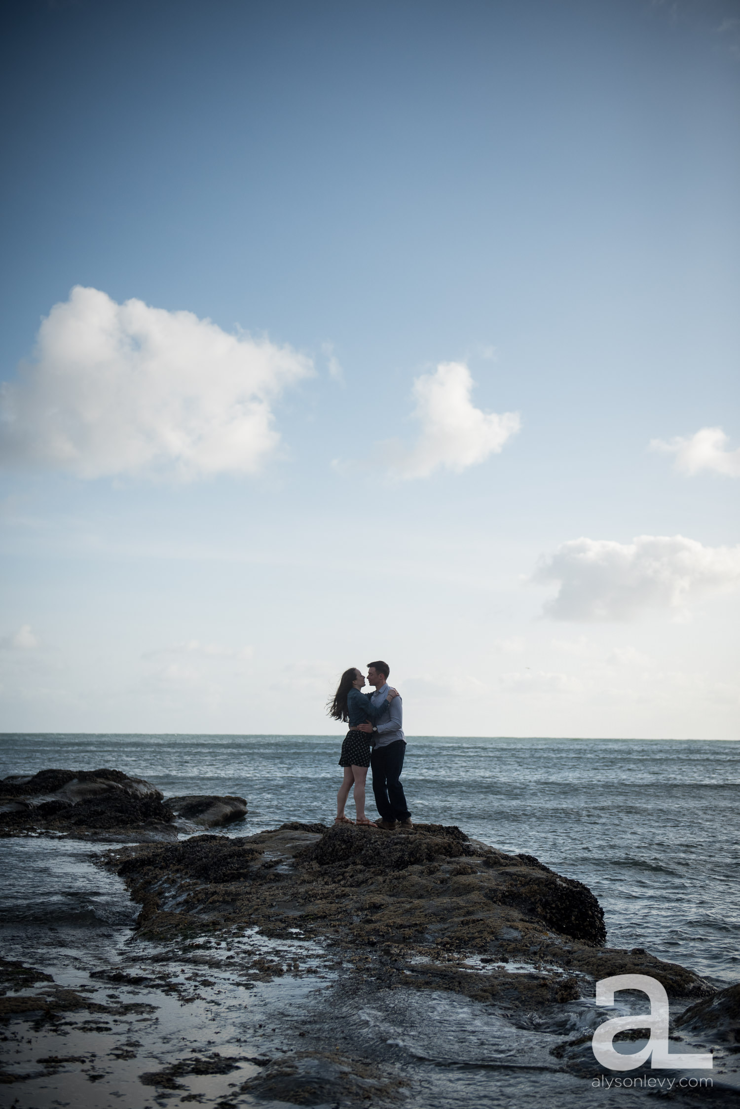 Cape-Kiwanda-Engagement-Photography-003.jpg