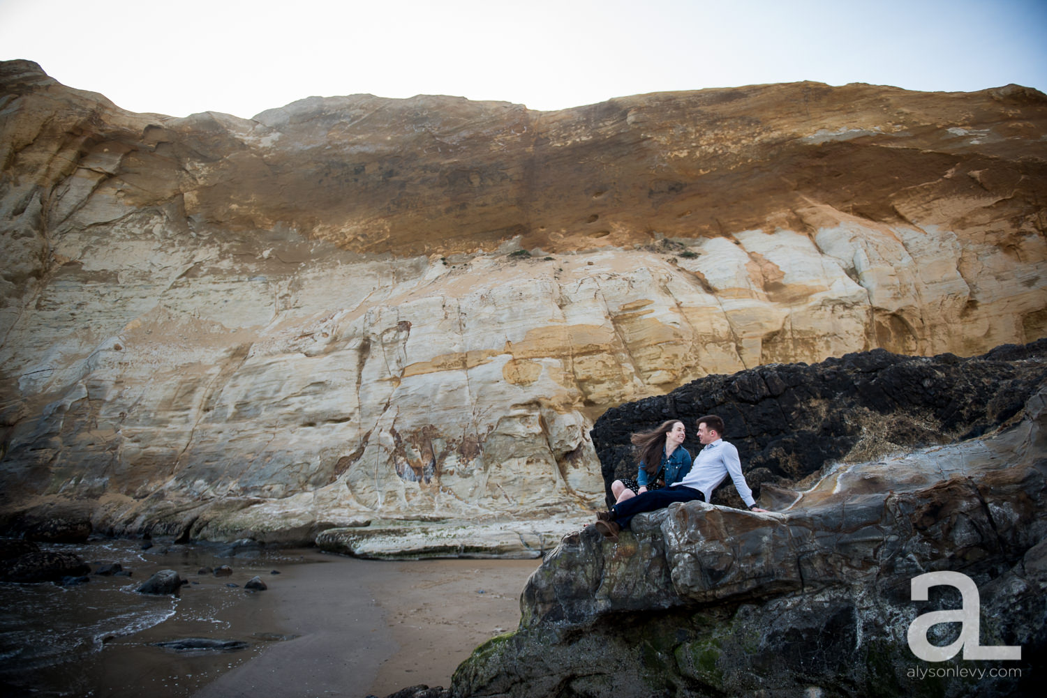 Cape-Kiwanda-Engagement-Photography-004.jpg