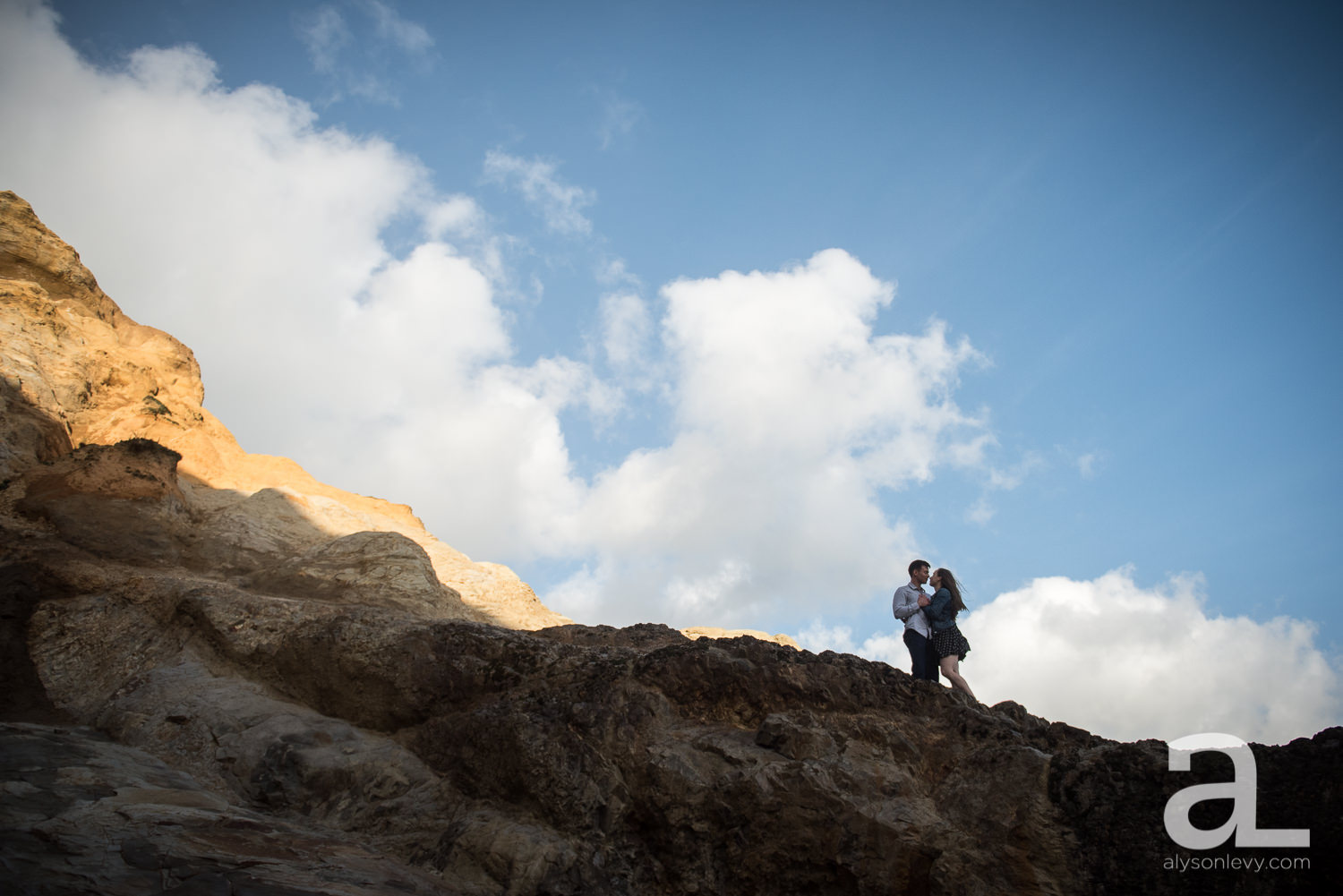 Cape-Kiwanda-Engagement-Photography-005.jpg
