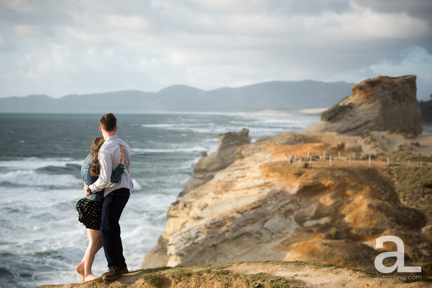 Cape-Kiwanda-Engagement-Photography-009.jpg