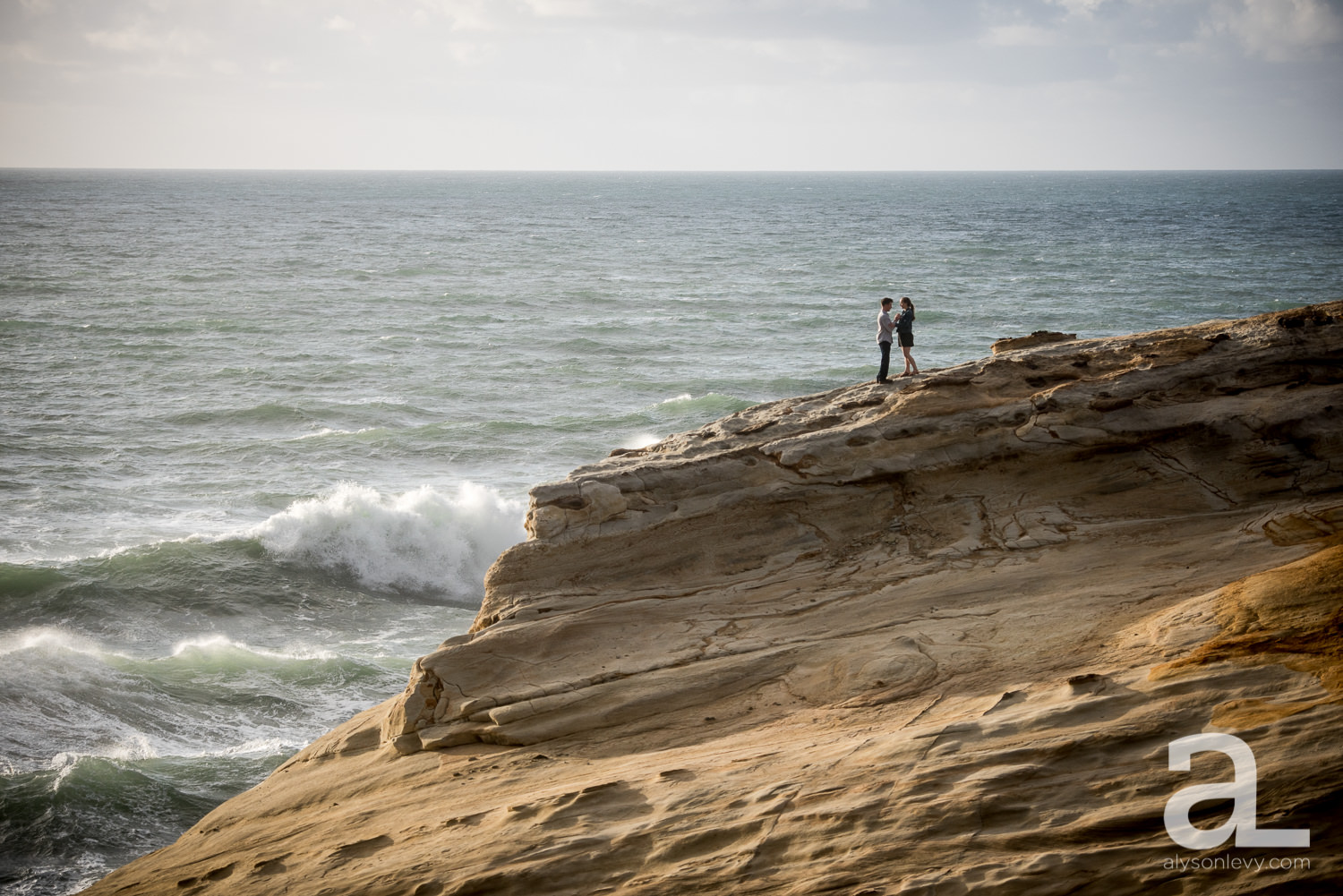 Cape-Kiwanda-Engagement-Photography-011.jpg