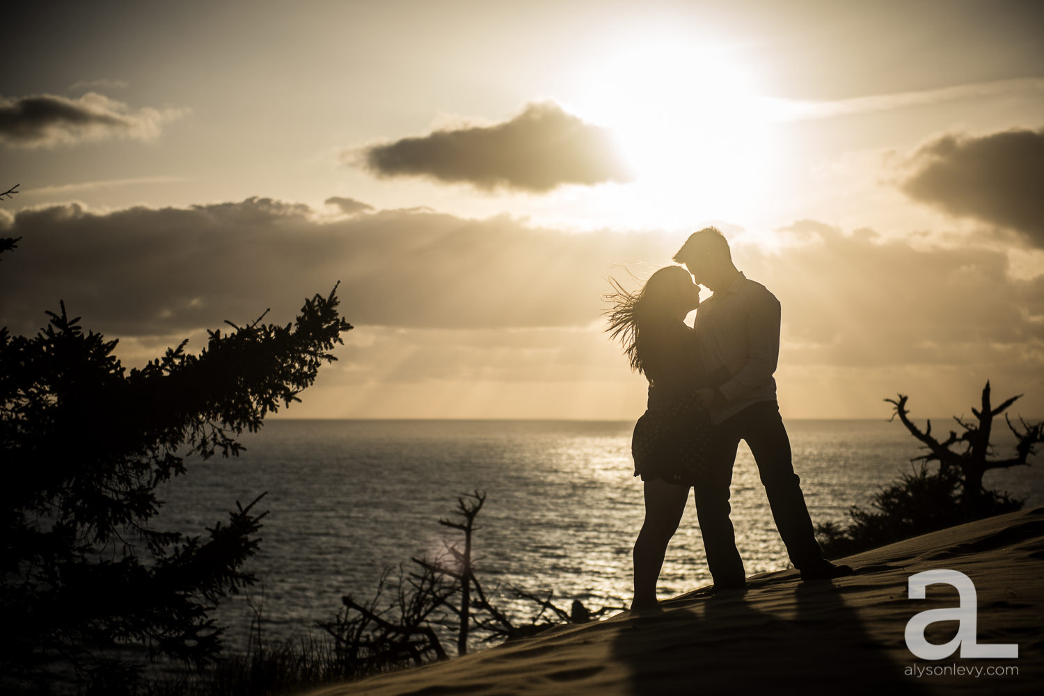 Cape-Kiwanda-Engagement-Photography-013.jpg