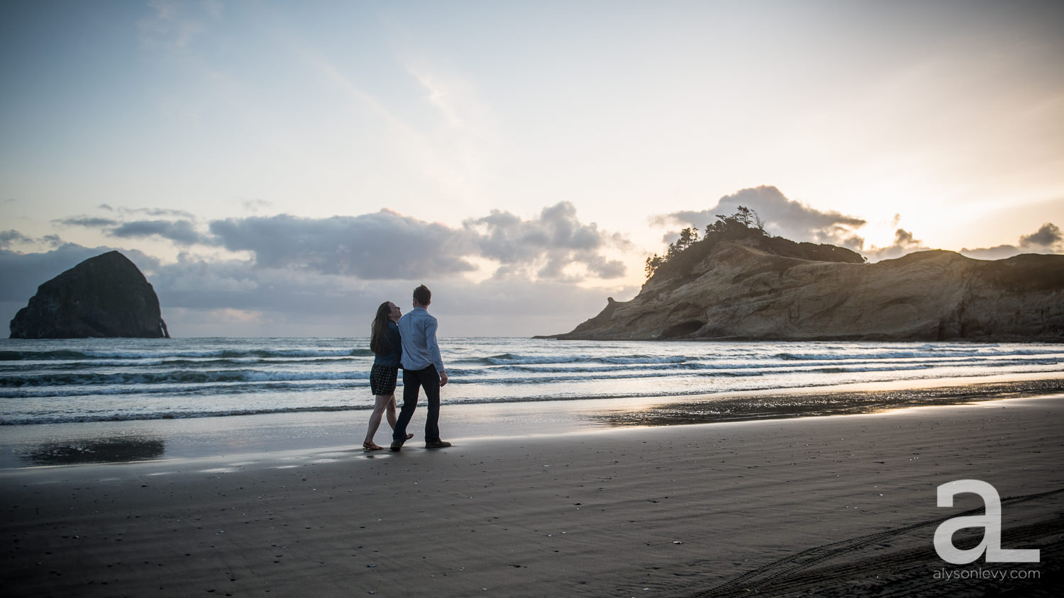 Cape-Kiwanda-Engagement-Photography-020.jpg