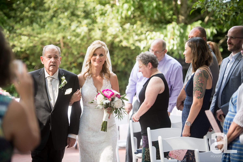 McMenamins-Edgefield-Wedding-Photography_0034.jpg