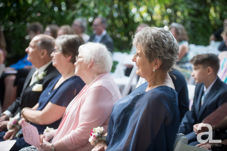 McMenamins-Edgefield-Wedding-Photography_0040.jpg