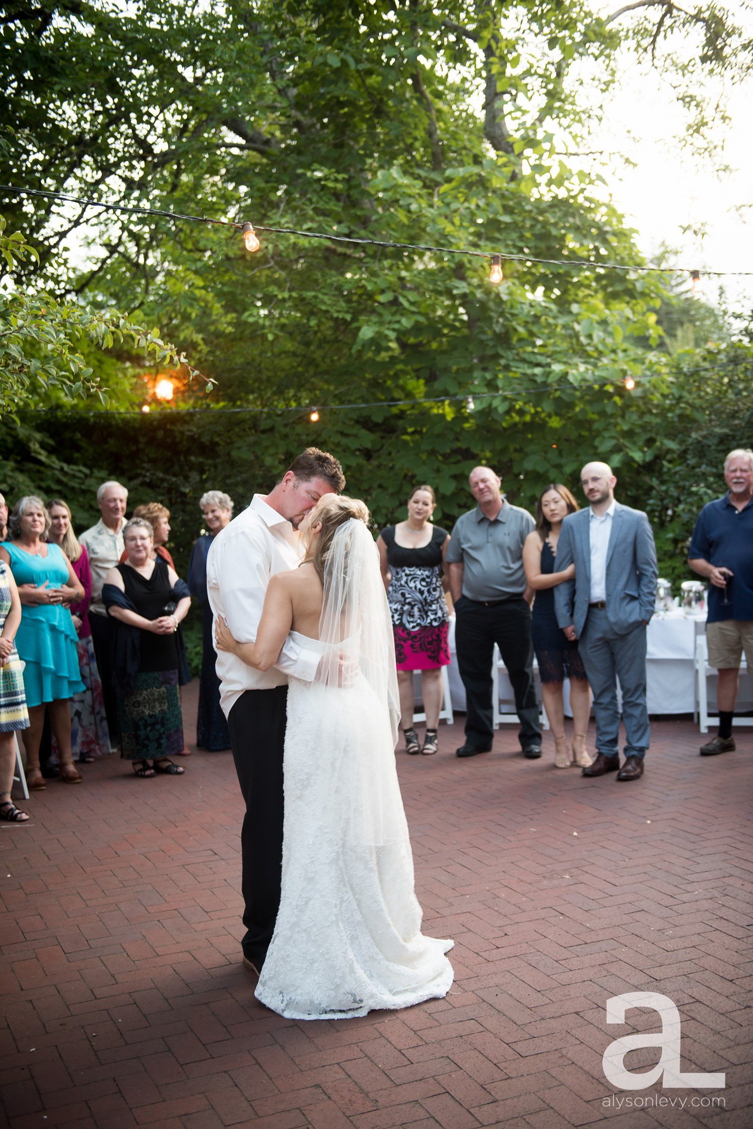 McMenamins-Edgefield-Wedding-Photography_0120.jpg