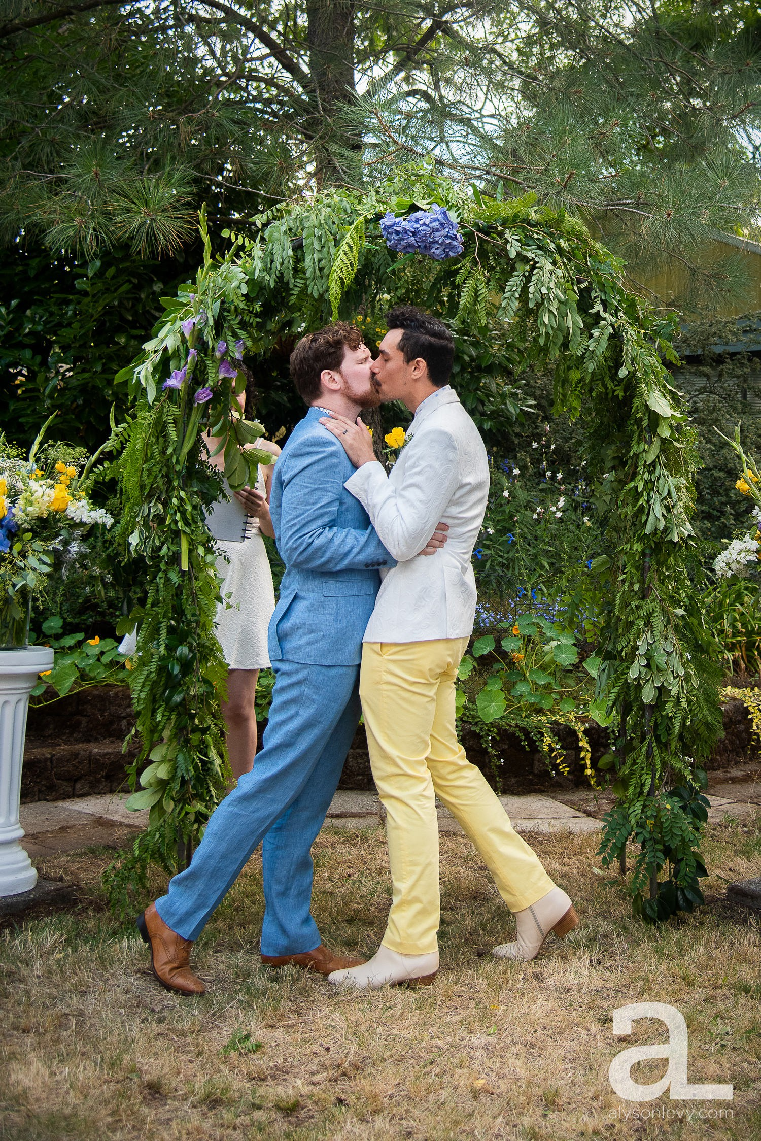 Portland-Backyard-Gay-Wedding-Photography_0085.jpg