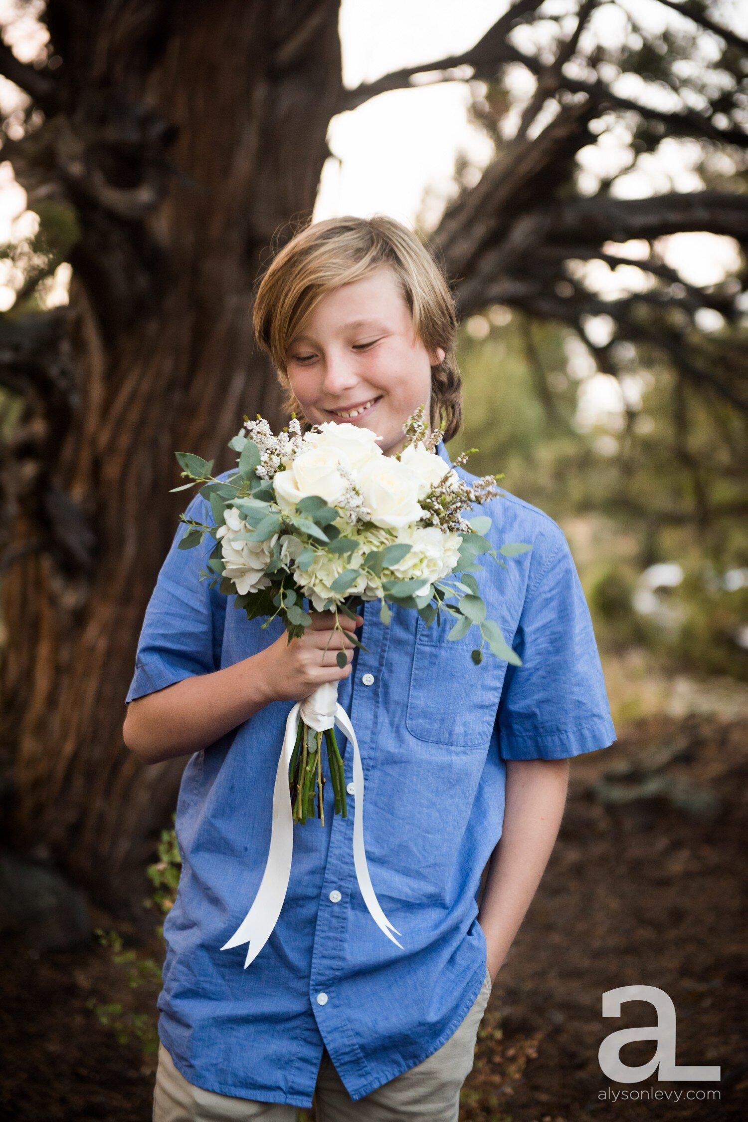 Bend-Elopement-Intimate-Wedding-Photography_0042.jpg