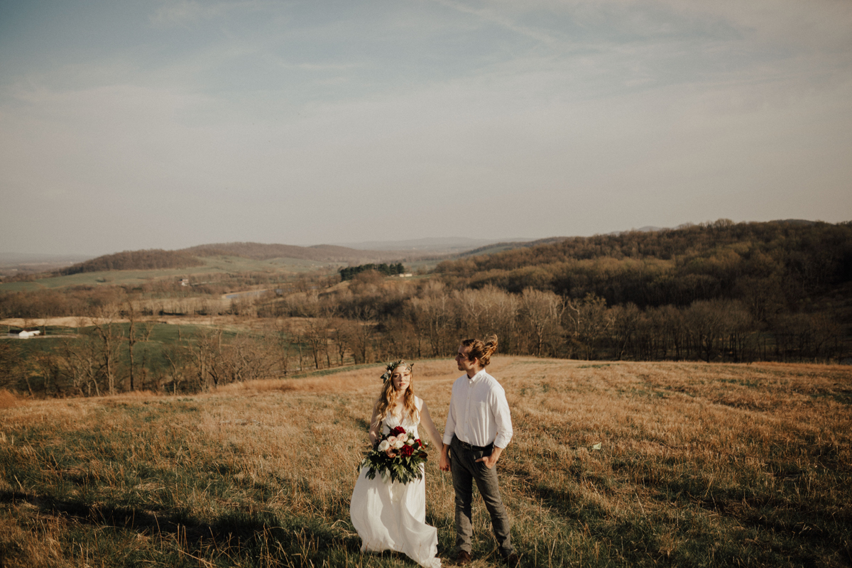 12virginia_elopement_sky-meadows-state-park_erin-krespan.jpg