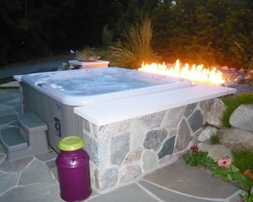 Hot tub with customer firepit