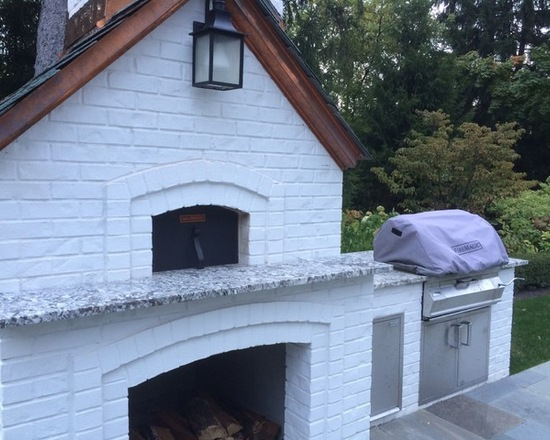 white house shaped outdoor pizza oven