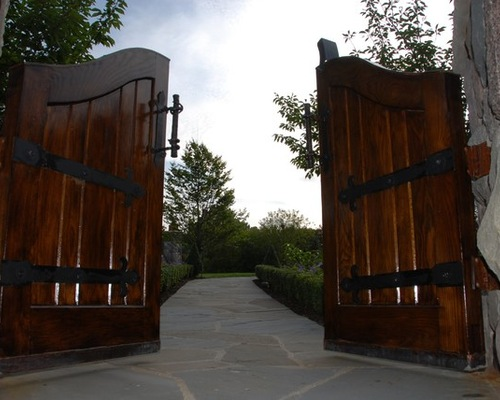 Wooden Gate with Custom Finishings