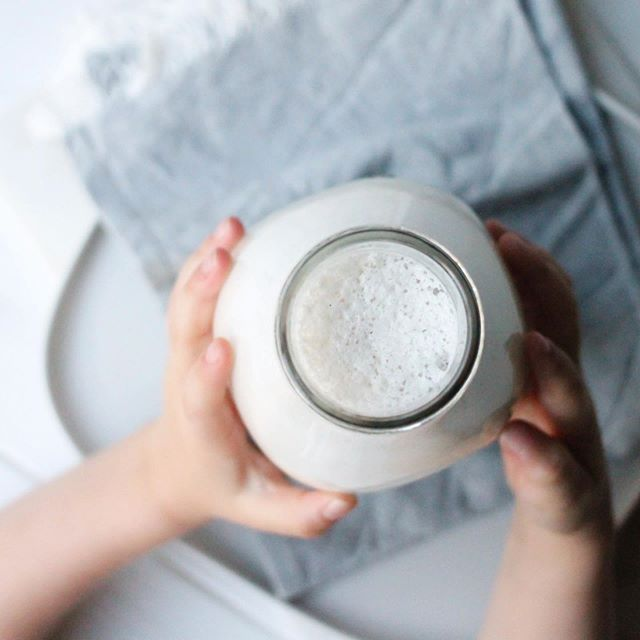 Cashew Milk 🥛🌱 Creamy and delicious, with a hint of vanilla bean. Perfect for Turmeric lattes in this winter weather here in AUS. Grab the recipe link in my stories 🙂👍🏻 ⠀⠀⠀⠀⠀⠀⠀⠀⠀ I HAVE NOT been able to shake holiday mode since our family trip to Canada. We came home to 2 weeks of school holidays and all got hit hard with some serious colds. We're not often sick but I think transitioning from time zones and seasons 🤔 Anyway, I had allll the essential oils out, the herbs, garlic poultices, onions in the socks, broth and all my witchcraft happening 😂 It works though! Chest coughs, ear aches, fevers be gone! We're finally coming out of hibernation. Hope you're well? What's your favourite winter wellness tip? I love a good winter wellness tip! x Ash ⠀⠀⠀⠀⠀⠀⠀⠀⠀ #nutmylk #cashews #dairyfree #plantbased #winterwellness #turmeric #nutmilk #healthcoach #nourishmemum #mumlife #mumblog #glutenfree #sugarfree #nutritionschool #tiumom #healthyliving #healthytreats #healthydessert #melbournefood #healthyoption #feedfeed #simplefood #realfood #jerf #paleo #endeavourcollege #mealprep #vitamix