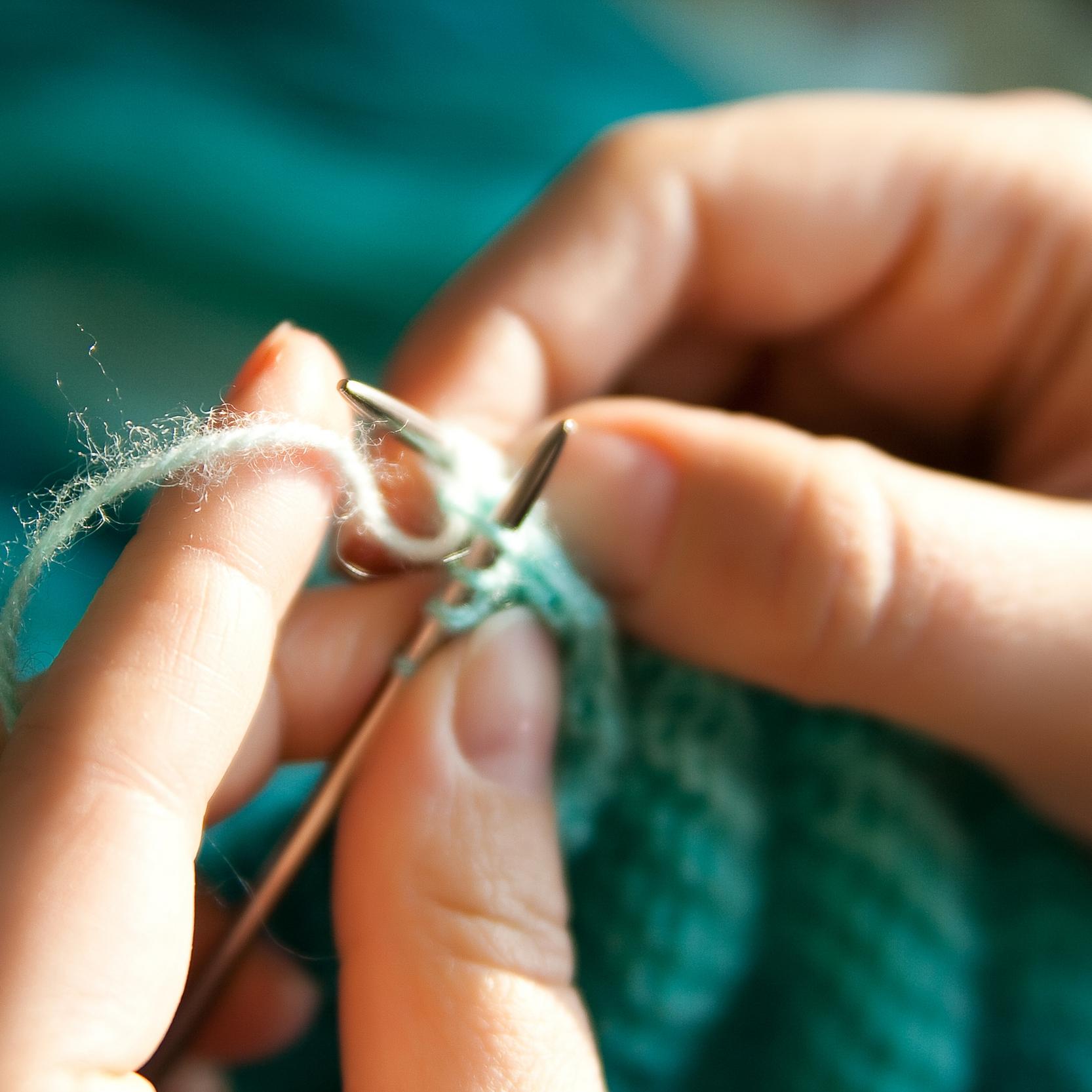hands-knitting-art[1].jpg