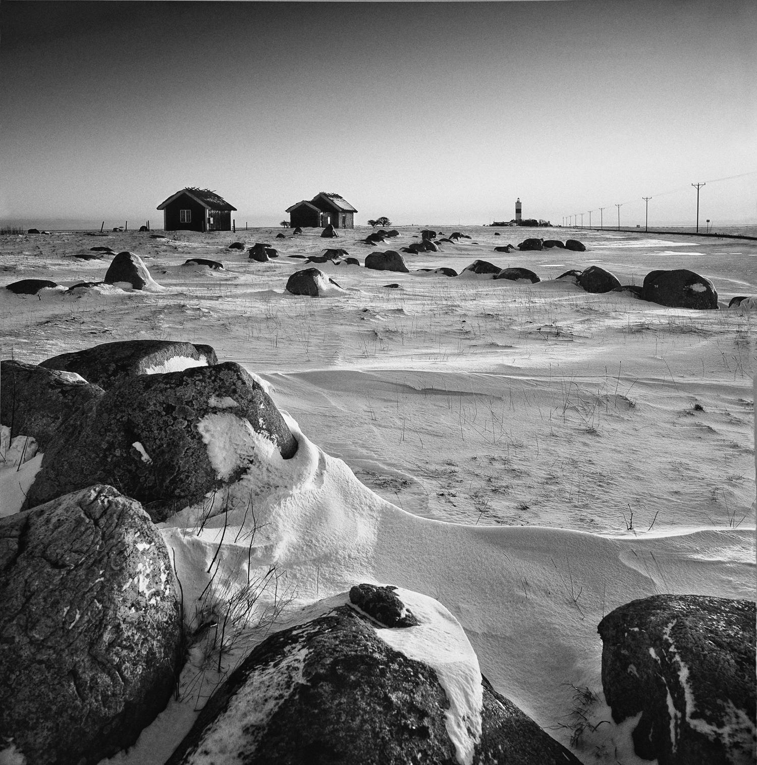 Ölands-södra-udde-Snö-Sol-Stenar-Bodar-1997-01-On-BW-1500px.jpg