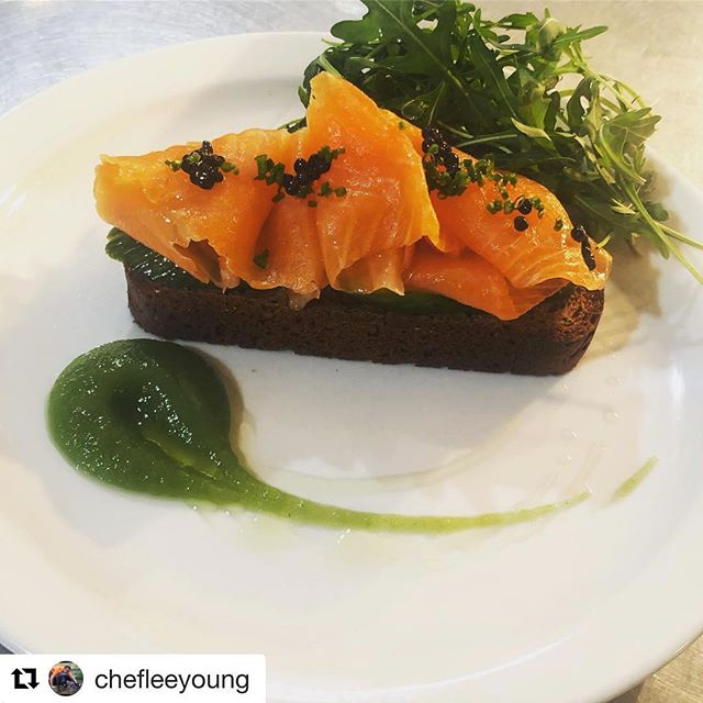 👀Just look at this scrumptious starter, rustled up by the talented @chefleeyoung @thewelldiggersarms with a little bit of magic and some Charlie's Trout... Well worth booking a table we'd say!  #foodie #publife #chefsofinstagram #sussex #delicious  #Repost @chefleeyoung with @get_repost ・・・ Beautiful local smoked trout starter from @charlies_trout on our menu @thewelldiggersarms Try it for yourself to taste how good it is. #trout #smokedtrout #charliestrout #petworth #foodporn #food #foodphotography #sodabread #cucumber #starter #pubfood #pubgrub #instafood #instafoodgram #westsussex #southdowns #thewelldiggersarms