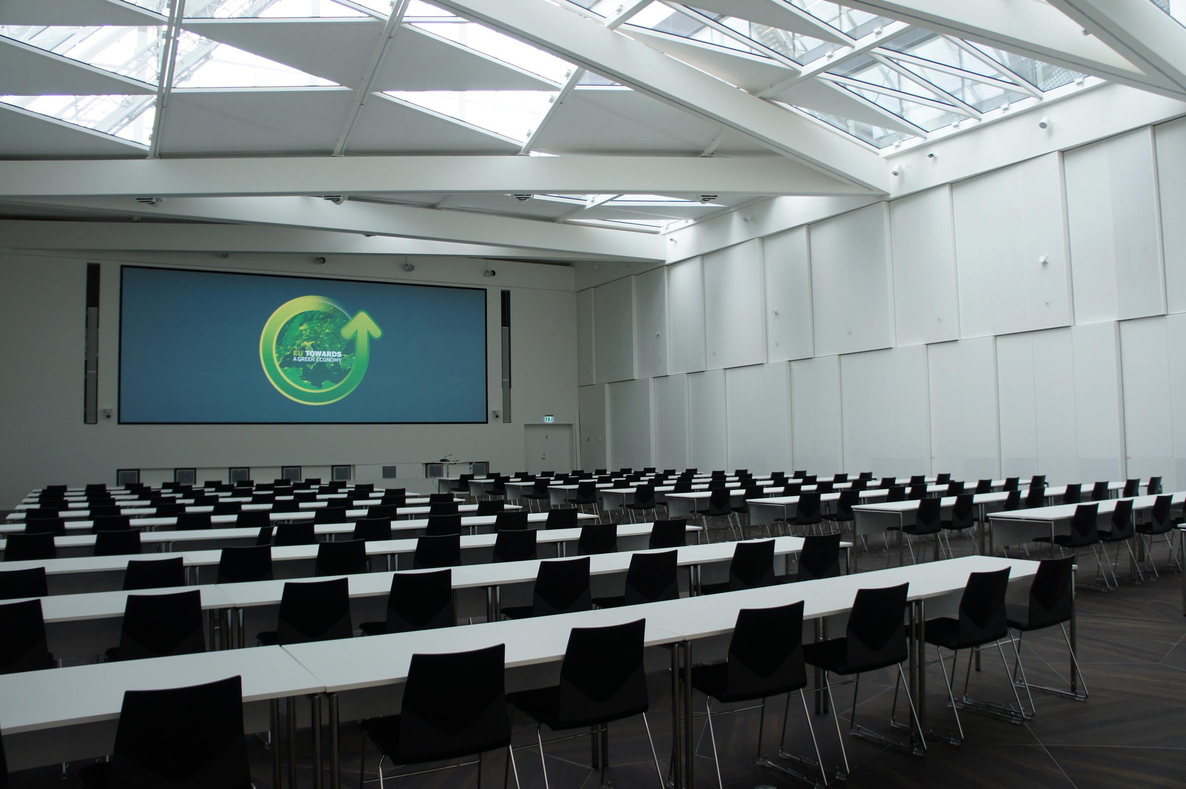 dnp Supernova Infinity - conference room