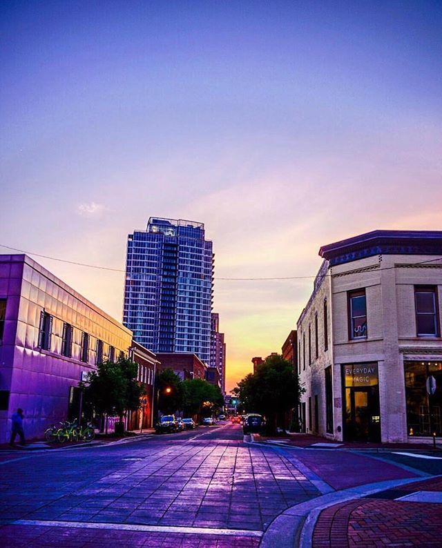 Magic hour in Durham ✨ // Surreal picture taken by @bestofthebull . . . . . . #downtowndurham #durhamnc #durm #onecitycenter #evverydaymagic #magichour #sunsethour #magichour #bullcity #bullcitylove #durham #bullcityrising #summernights
