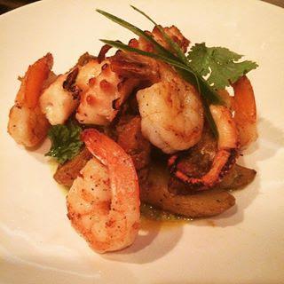 pulpo, shrimp + chorizo