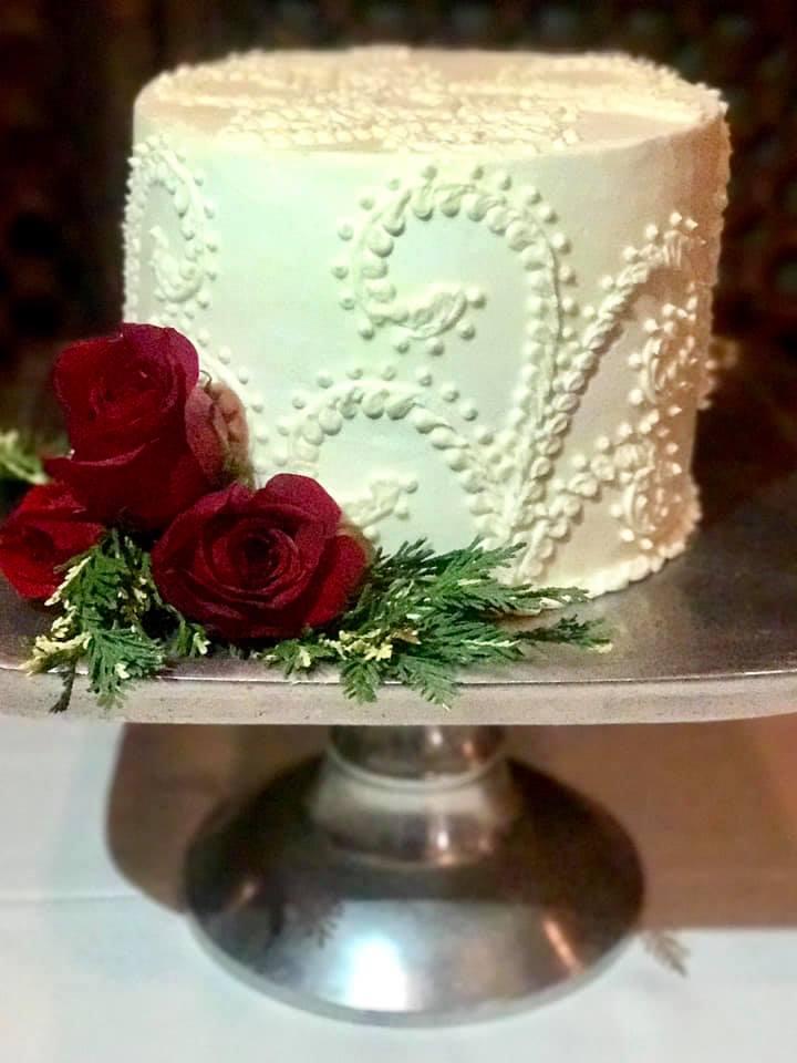 RED ROSE CAKE.jpg