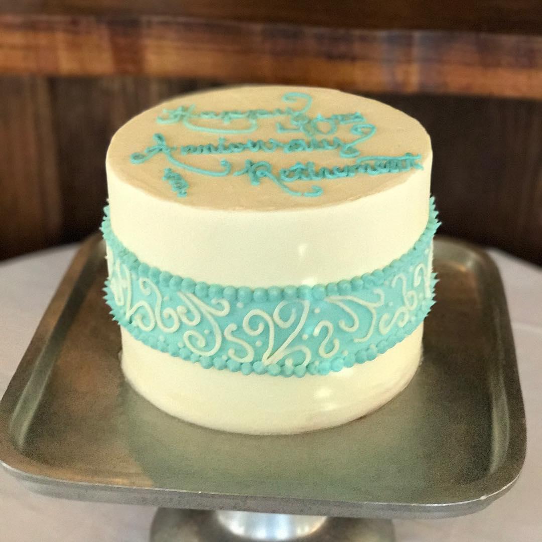 blue line cake.jpg
