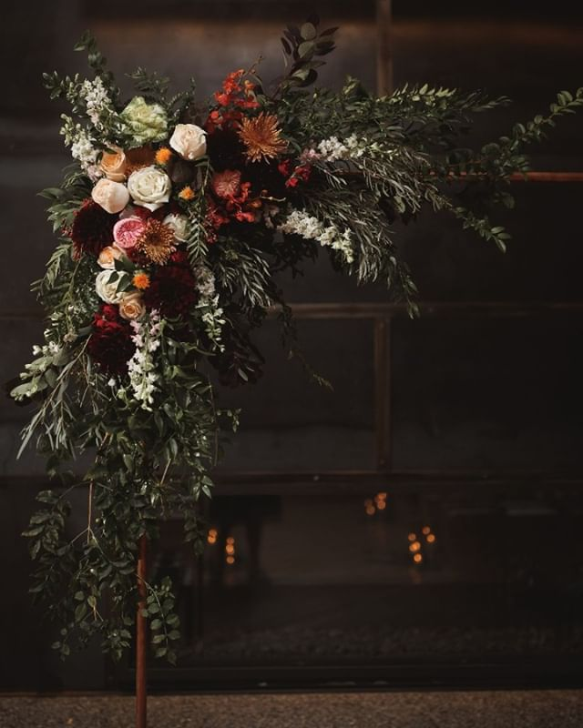 These stunning flowers from a wedding last year are both moody and romantic. Shoutout to @westvirjeni for doing such an incredible job.