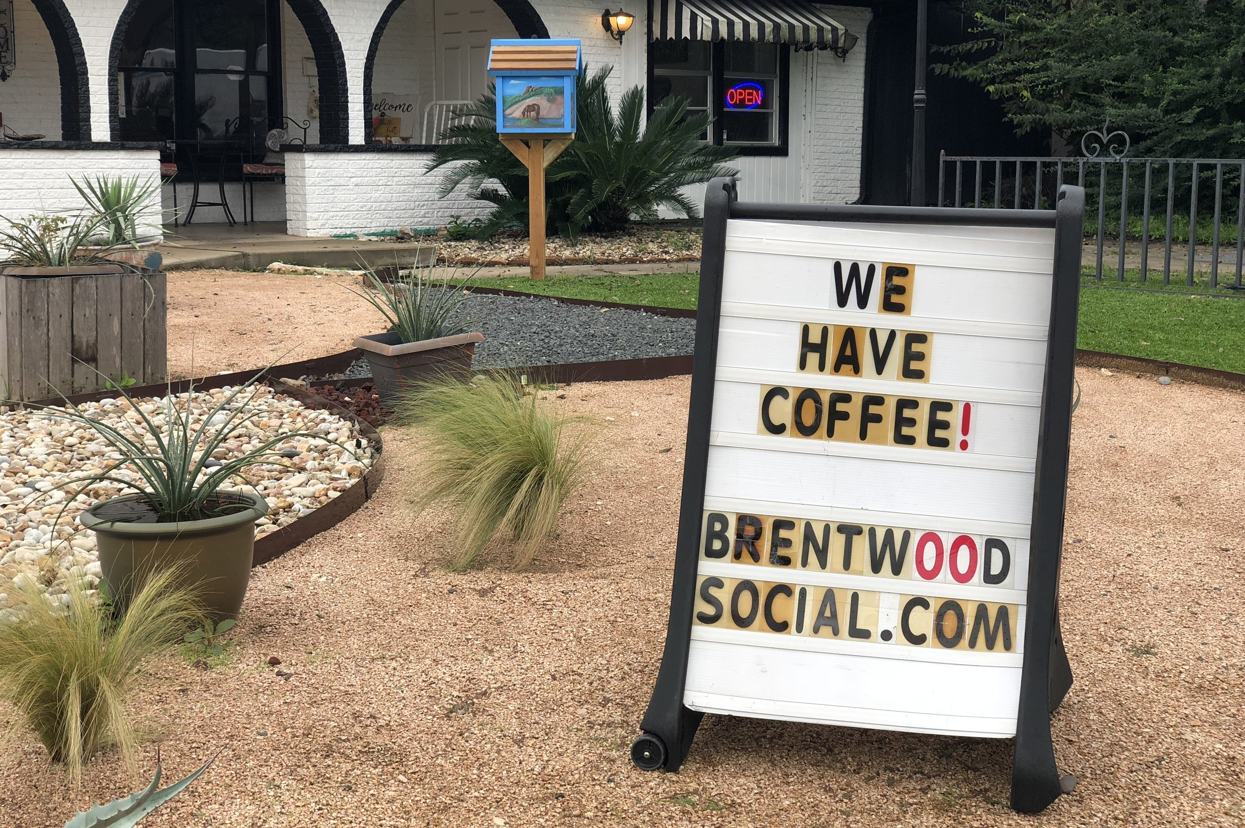 Brentwood Social House has coffee!