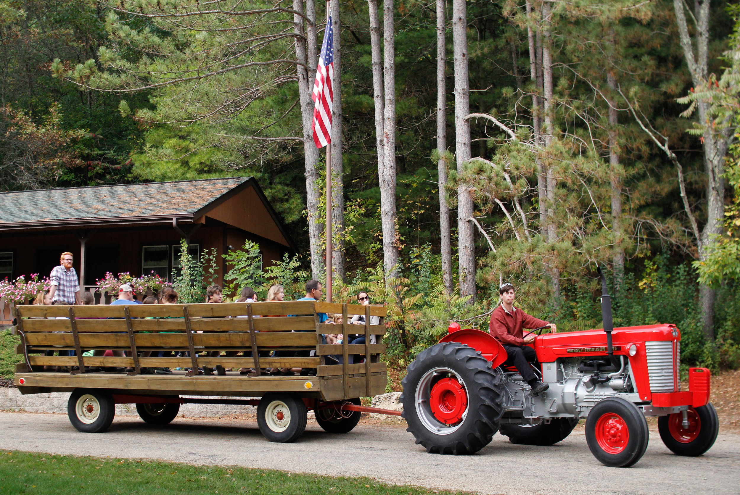 Tractor 2.jpg