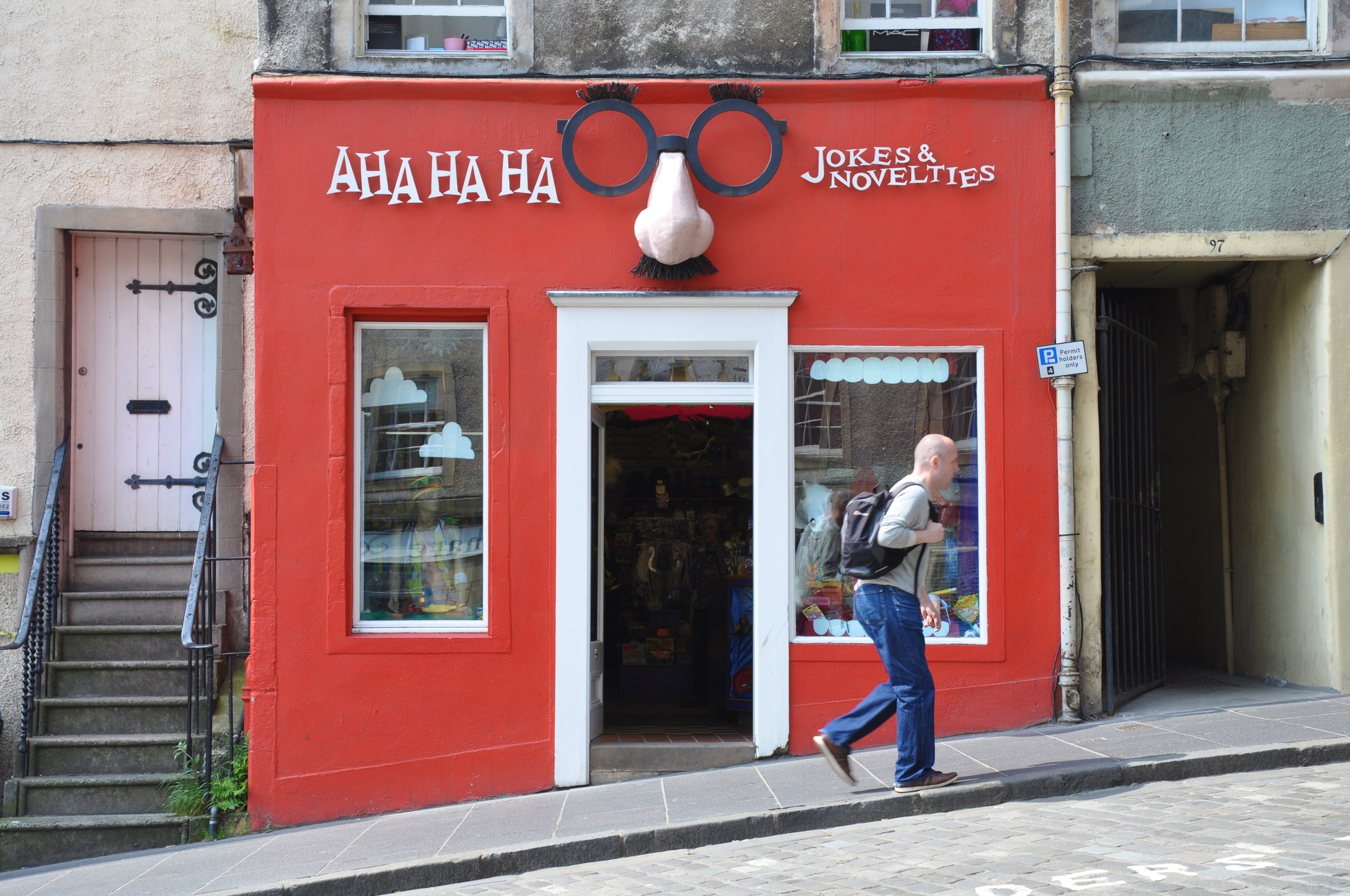 AHA HA HA jokes and novelties, 99 West Bow, Edinburgh, EH1 2JP  | Source: WikiCommons