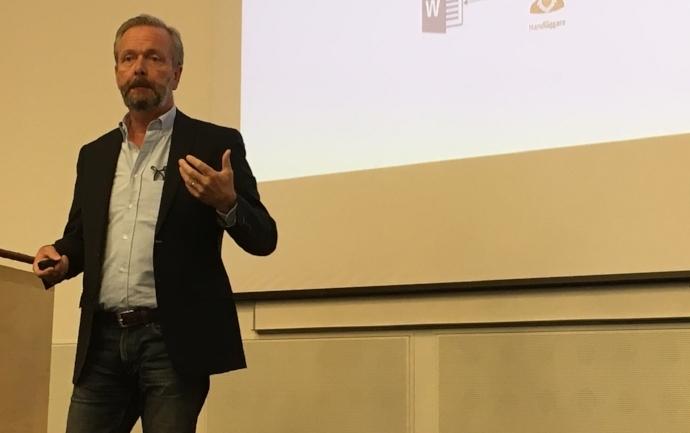 Björn Junge från Metaforce presenterade Metaforce förmedlingstjänst.