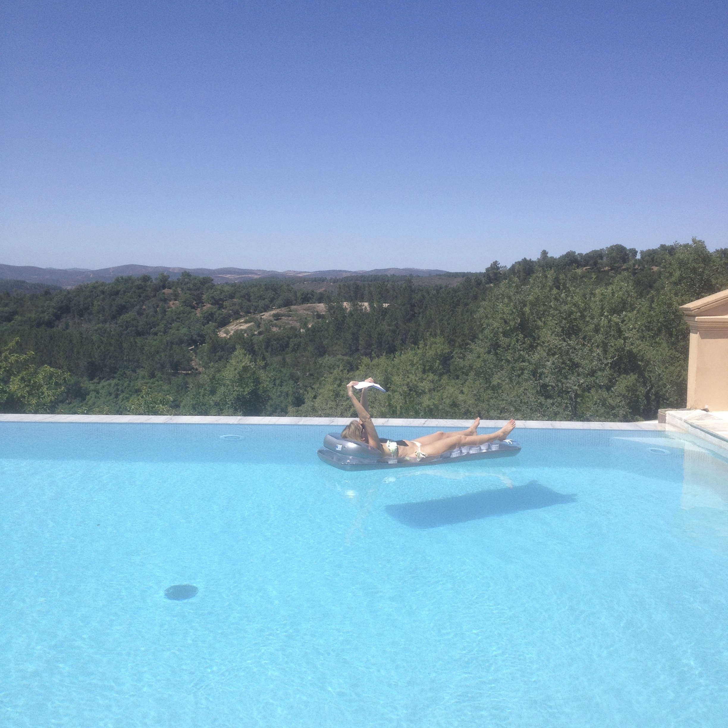 pool time, writing holiday in Andalusia