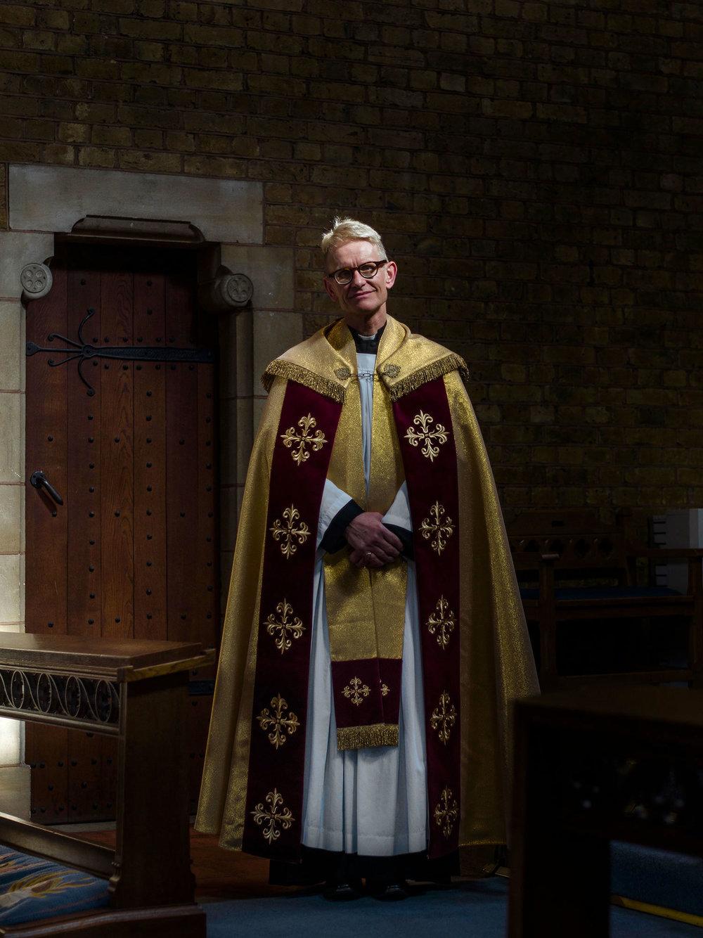 Julian-Ward-Vicar-Gareth-Wardell.jpg