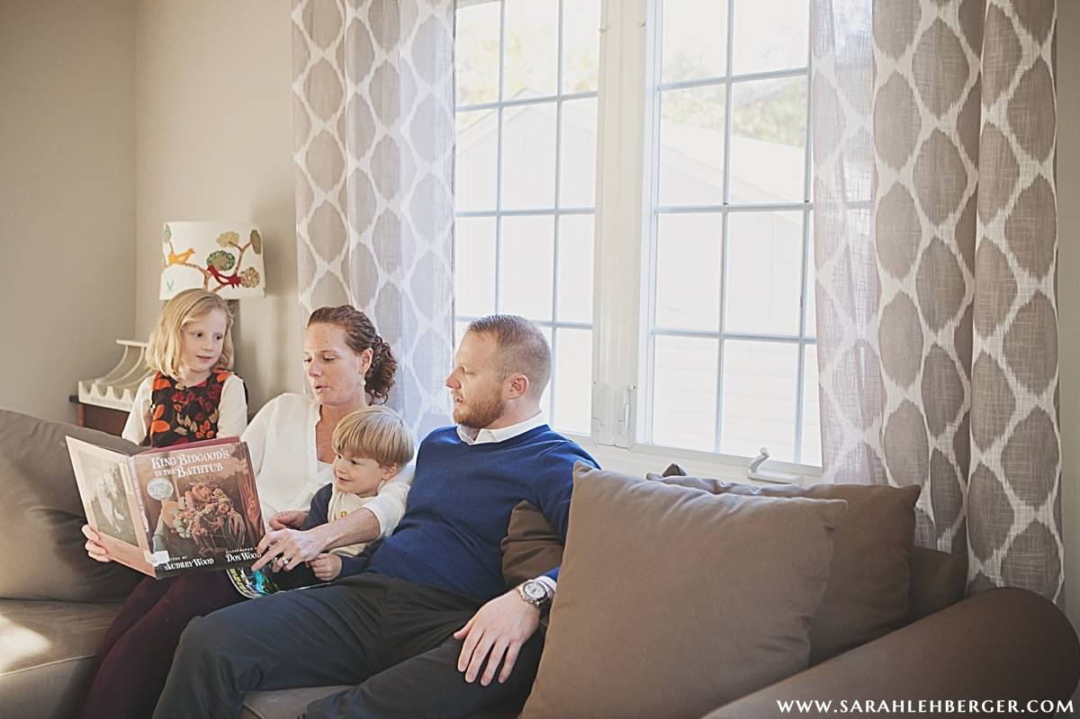 lifestyle-family-photography-reading-together.jpg