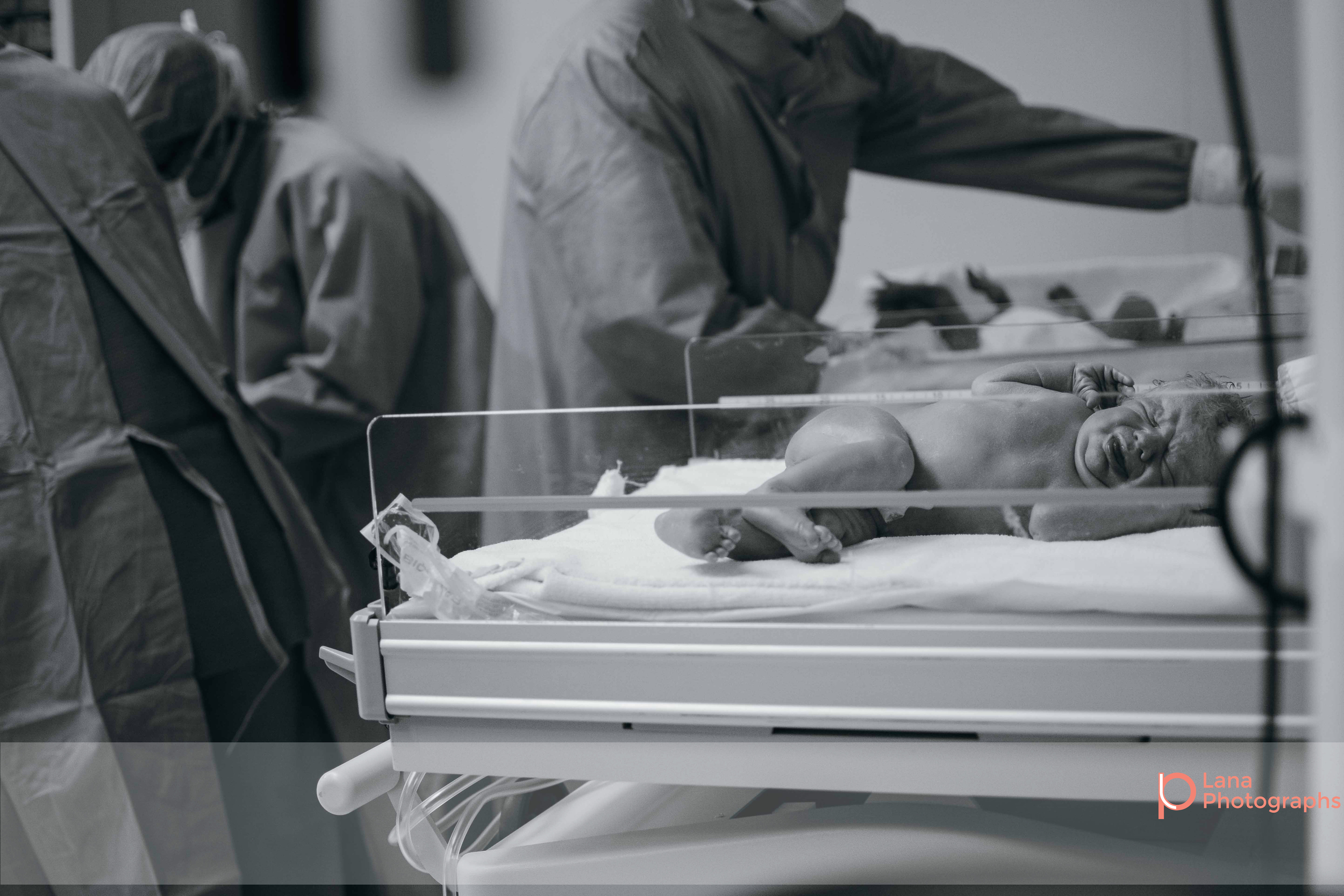 Dubai Birth Photographer