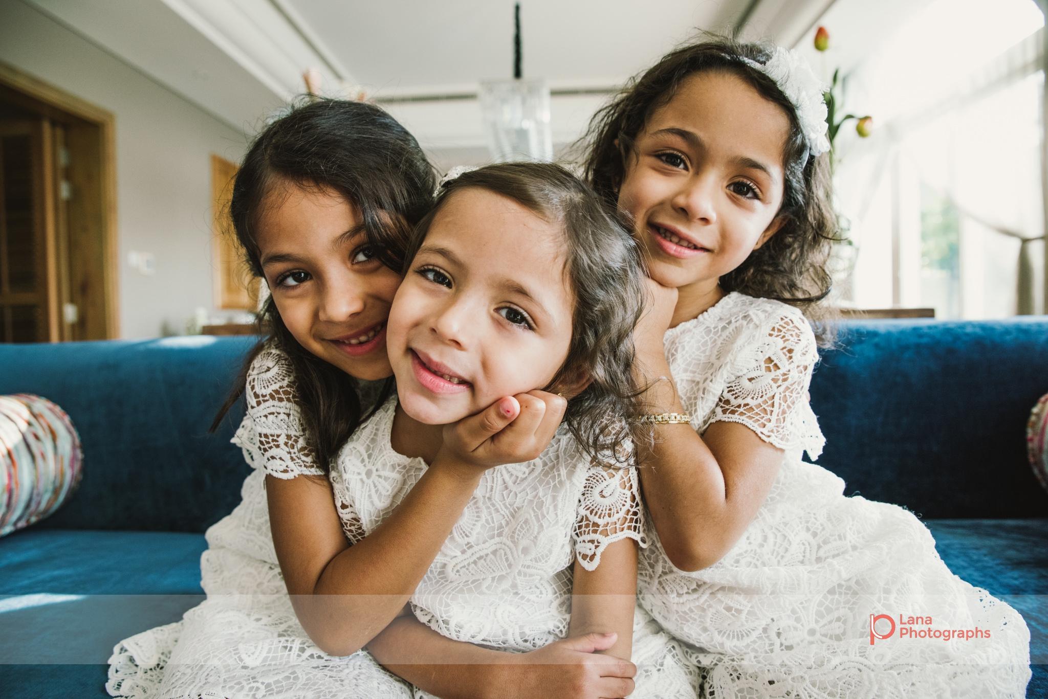 Lana Photographs Family Photographer Dubai Top Family Photographers portrait of three sisters