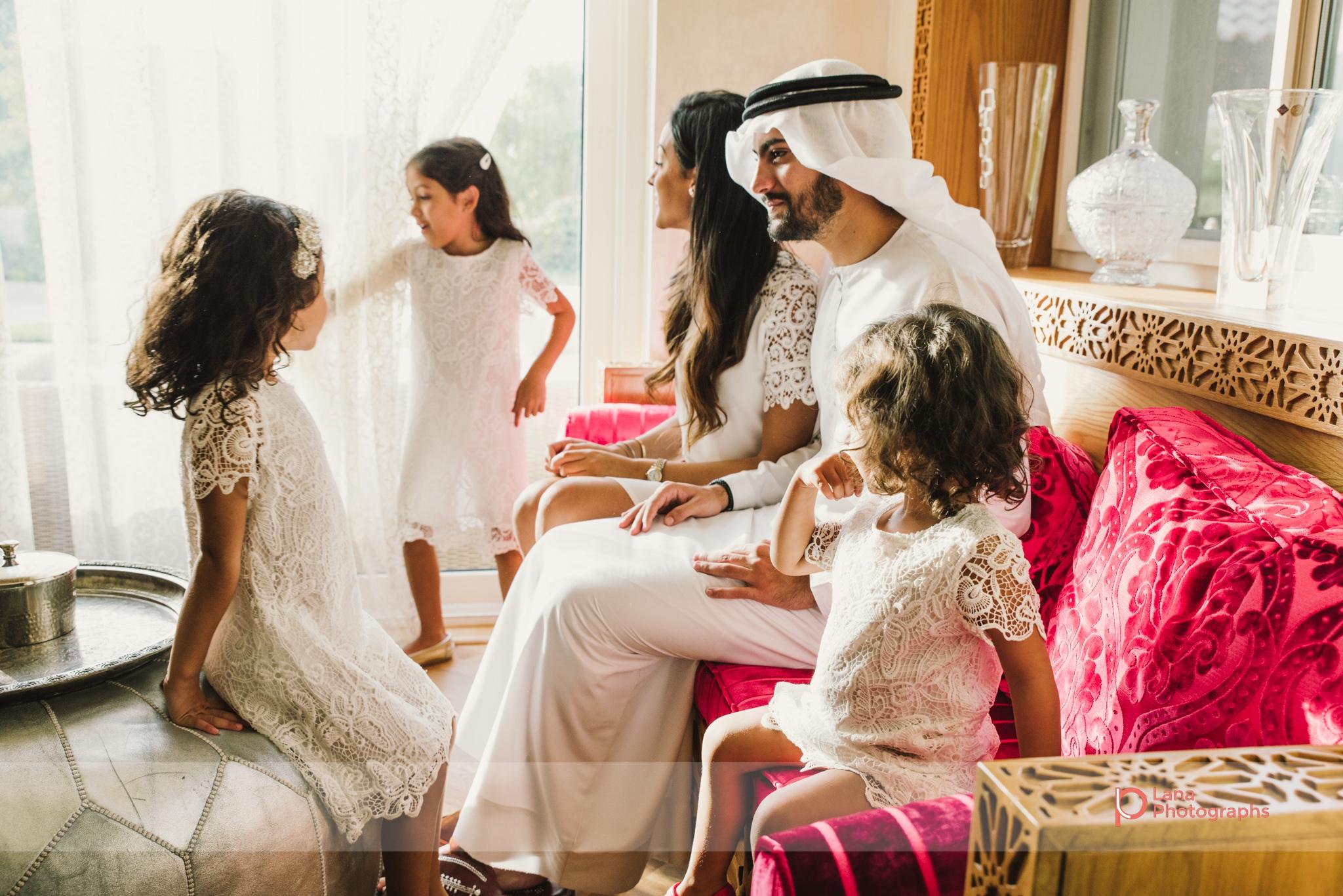 Lana Photographs Family Photographer Dubai Top Family Photographers family in their living room