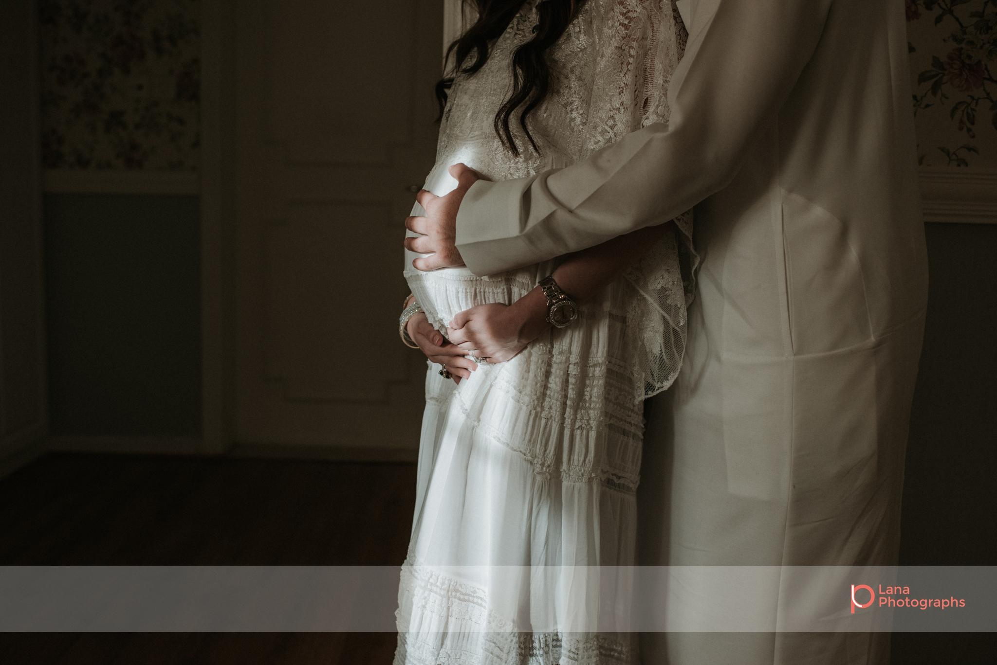 Lana Photographs Family Photographer Dubai Top Family Photographers portrait of expecting couple