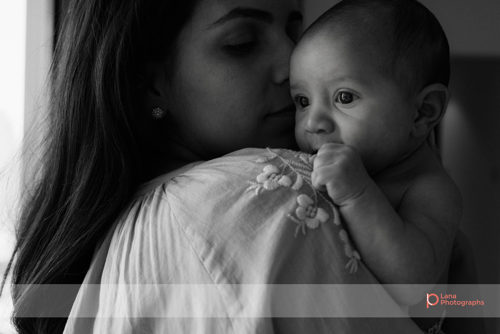 Lana-Photographs-Dubai-Family-Photographer-Noura-34.png