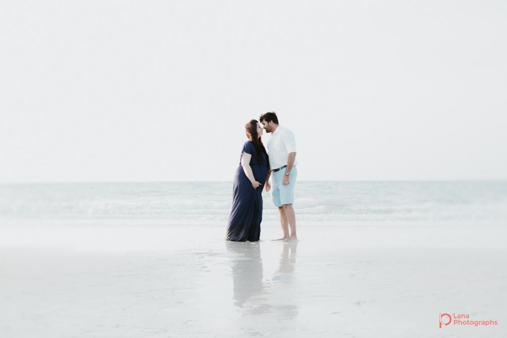 Lana-Photographs-Dubai-Maternity-and-Newborn-Photographer-Bhavna-07.jpg