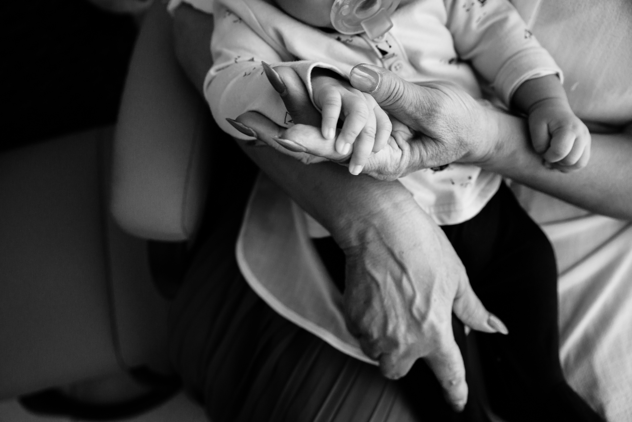 Lana-Photographs-Abu-Dhabi-Newborn-Photographer-Egla-PSLR-38.jpg
