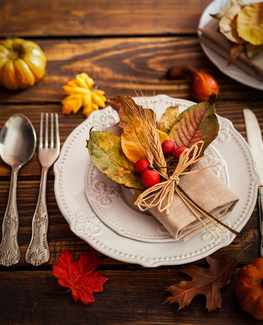 We love this deeply saturated design that showcases a stunning fall place setting.