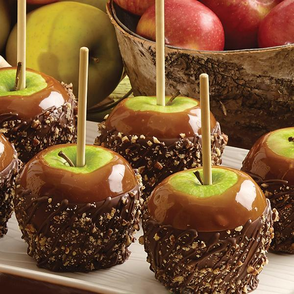 Nothing says fall quite like gorgeous candied apples!Offer guests small, bite sized slices of candied apples for cocktail hour for a special added touch of fall.