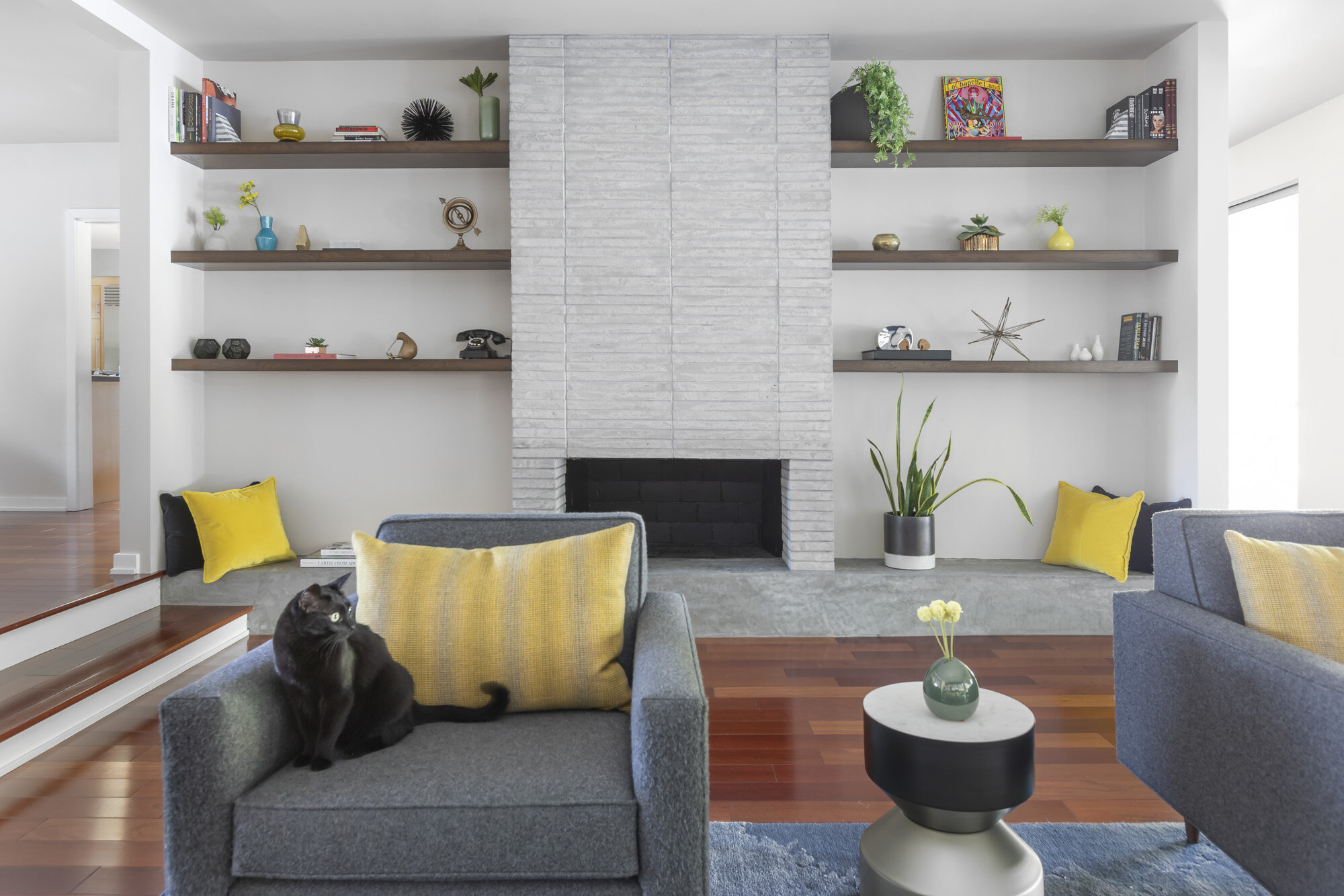 Encino-Fireplace-Newport-Brick-Early-Gray-Limestone-01.jpg